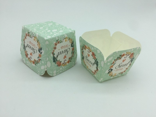 China Mint Colored Flower Cupcake Liners , Square Cupcake Wrappers Romantic Wedding Baking Cup supplier