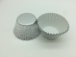 China Heat Resist Aluminum Baking Cups Foil Muffin Liners Silver Round Shape For Bakery supplier