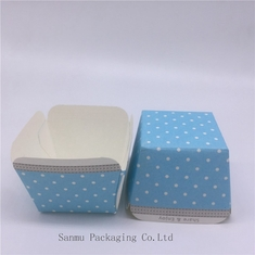 China Customized Square Cupcake Liners Blue White Polka Dot Cupcake Wrappers Baking Cup Mold supplier