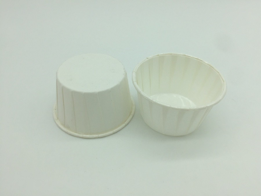 White Pet Baking Cups Round Shape Varous Sizes Disposable