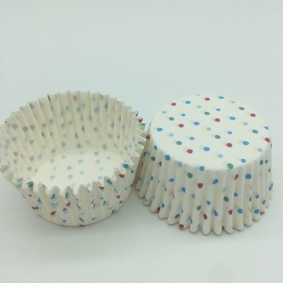 China Eco Friendly Greaseproof Cupcake Liners Disposable Food Packaging Bakery Birthday Cakes For Girls distributor